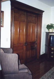 Photo of the living room of the OSU Max Kade German House.